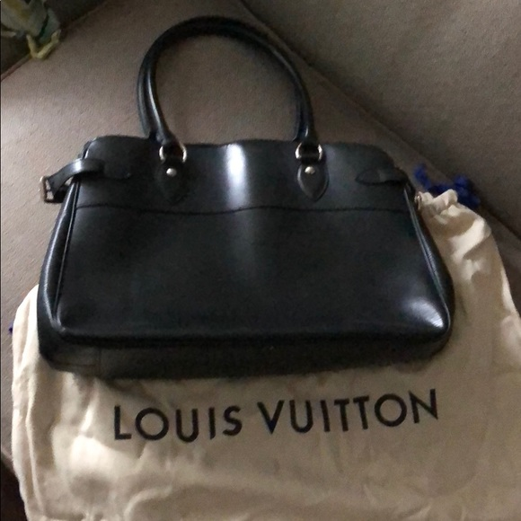 fb79f9a78bcc Louis Vuitton Handbags - Classically Elegant Black Epi Louis Vuitton Passy